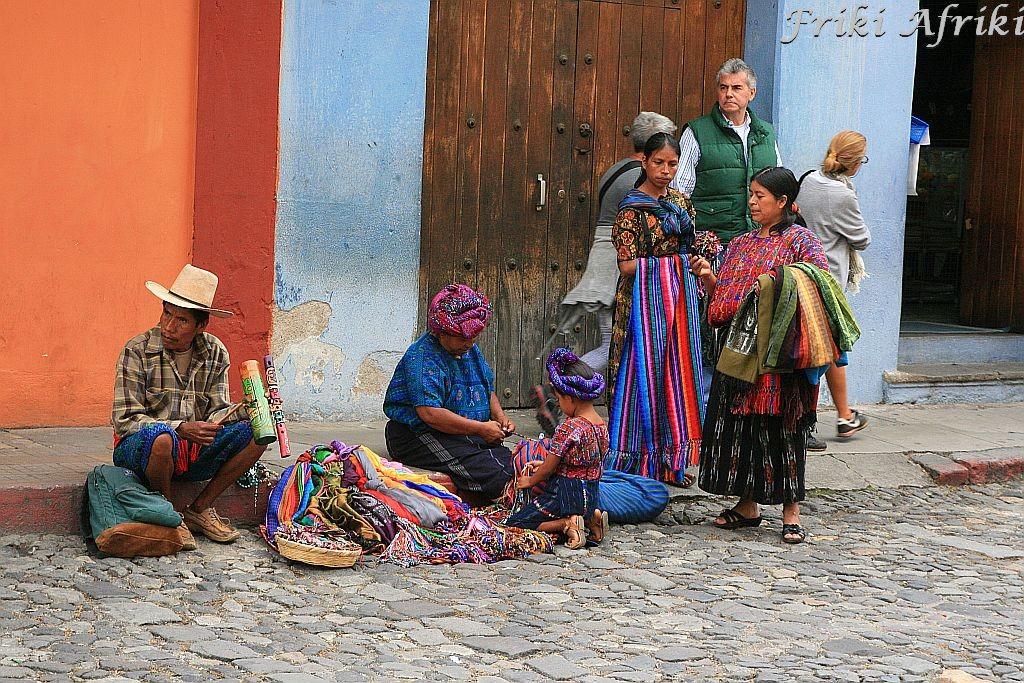 Majańskie sprzedawczynie, Antigua, Gwatemala