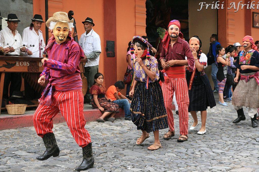 Tradycyjny taniec, Antigua, Gwatemala