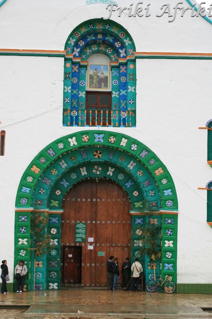 Wejście do kościoła, Chamula