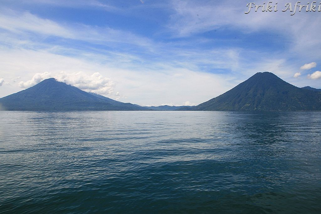 Wulkany Santiago i San Pedro, Jezioro Atitlan, Gwatemala
