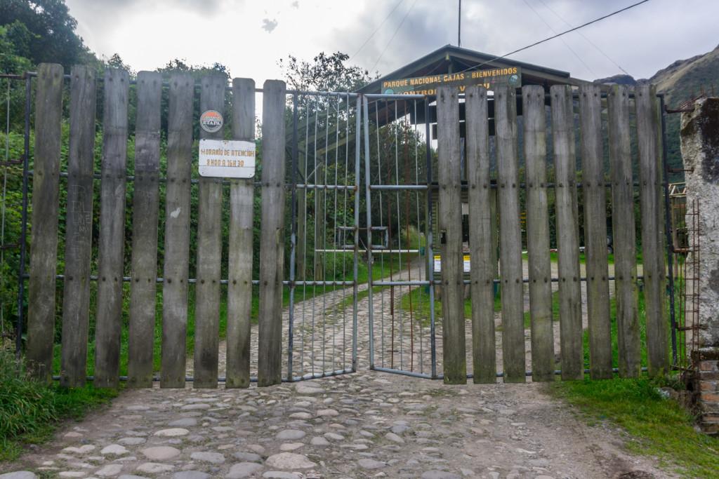 Zamknięte góry i brama pod którą się czołgaliśmy