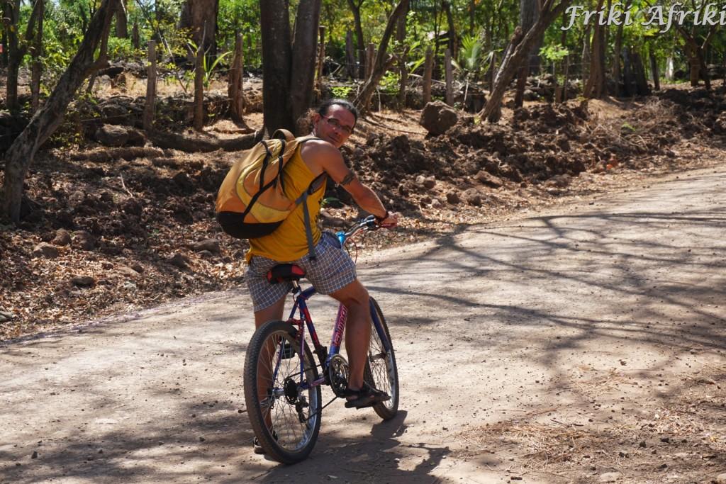 Miła przejażdżka w upale - o tym, że nasze rowery nie mają hamulcow, dowiedzieliśmy się zjeżdżając z górki