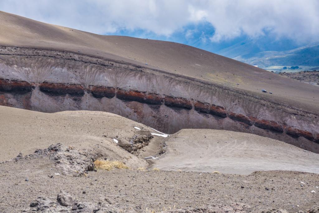 Jeden z kanionów powstałych podczas erupcji wulkanu