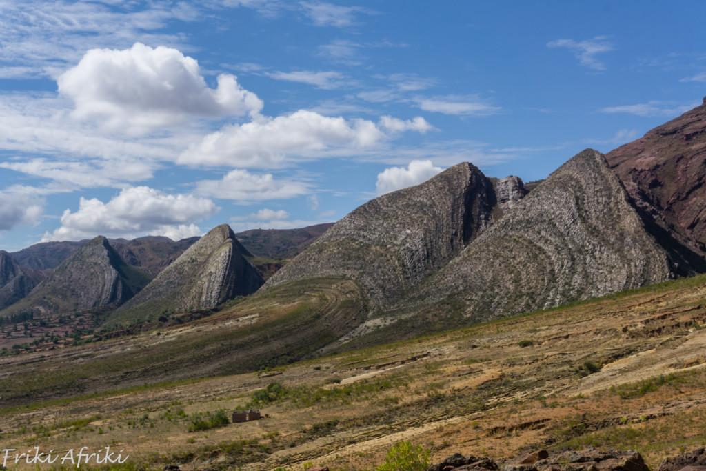 Ciągną i ciągną się te trójkątne wzgórza. Jak się potem przekonaliśmy, ci sami kosmici byli w Północnej Argentynie